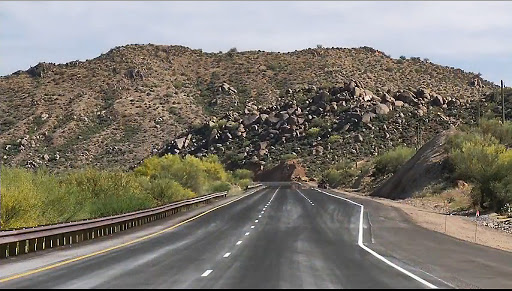 A climbing lane on SR 87