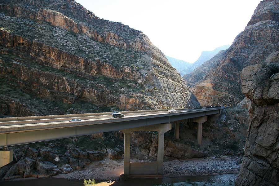 scenic photo of I-15 Virgin River bridge