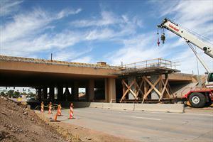 Work on Loop 101 Overpass
