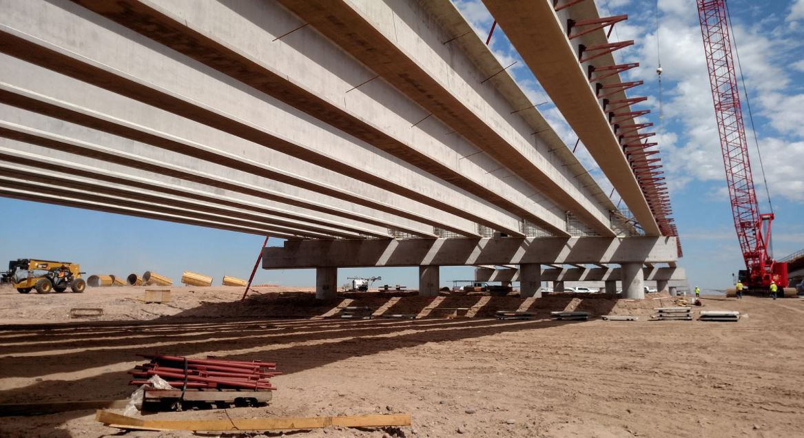 Girders over the new Salt River Bridge