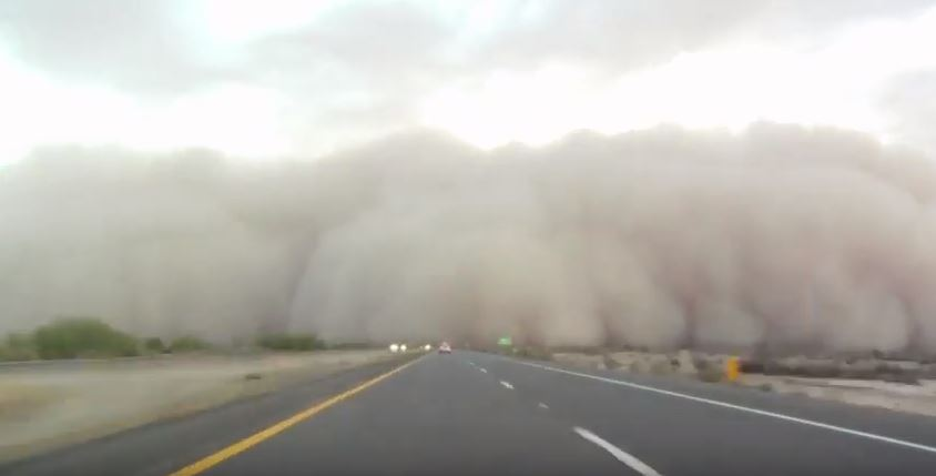 Dust storm moved down the freeway