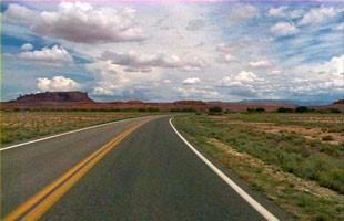 Tse'nikani-Flat Mesa Rock Scenic Road