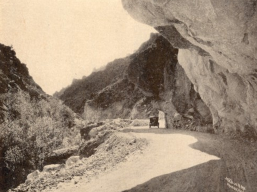 Archive photo of early road from Miami to Superior