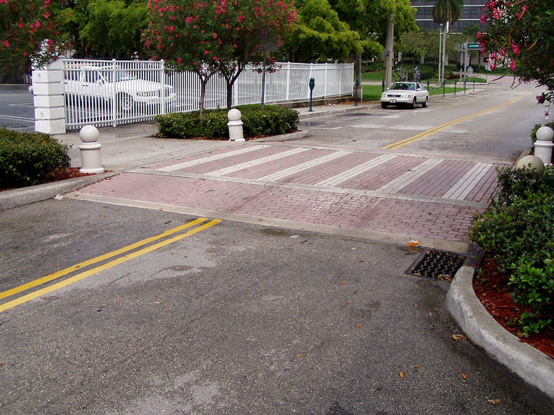 Example of Raised Sidewalk; Photo courtesy of www.pedbikeimages.org / Dan Burden