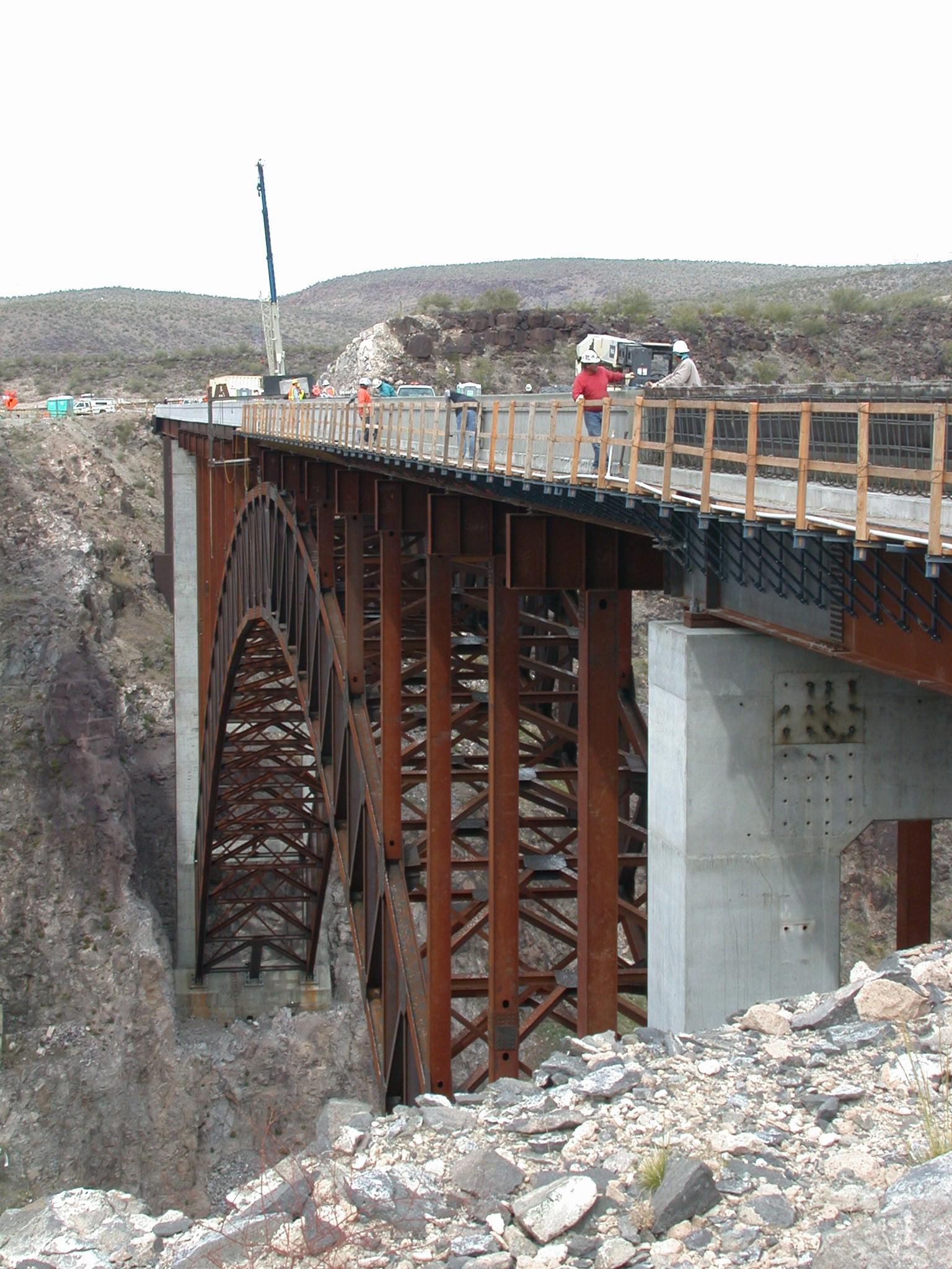 April 2006 construction at Burro Creek Bridge