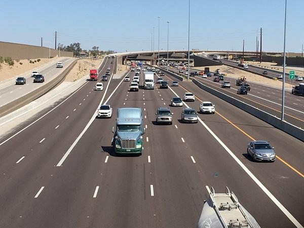 Photo of traffic on Interstate 10