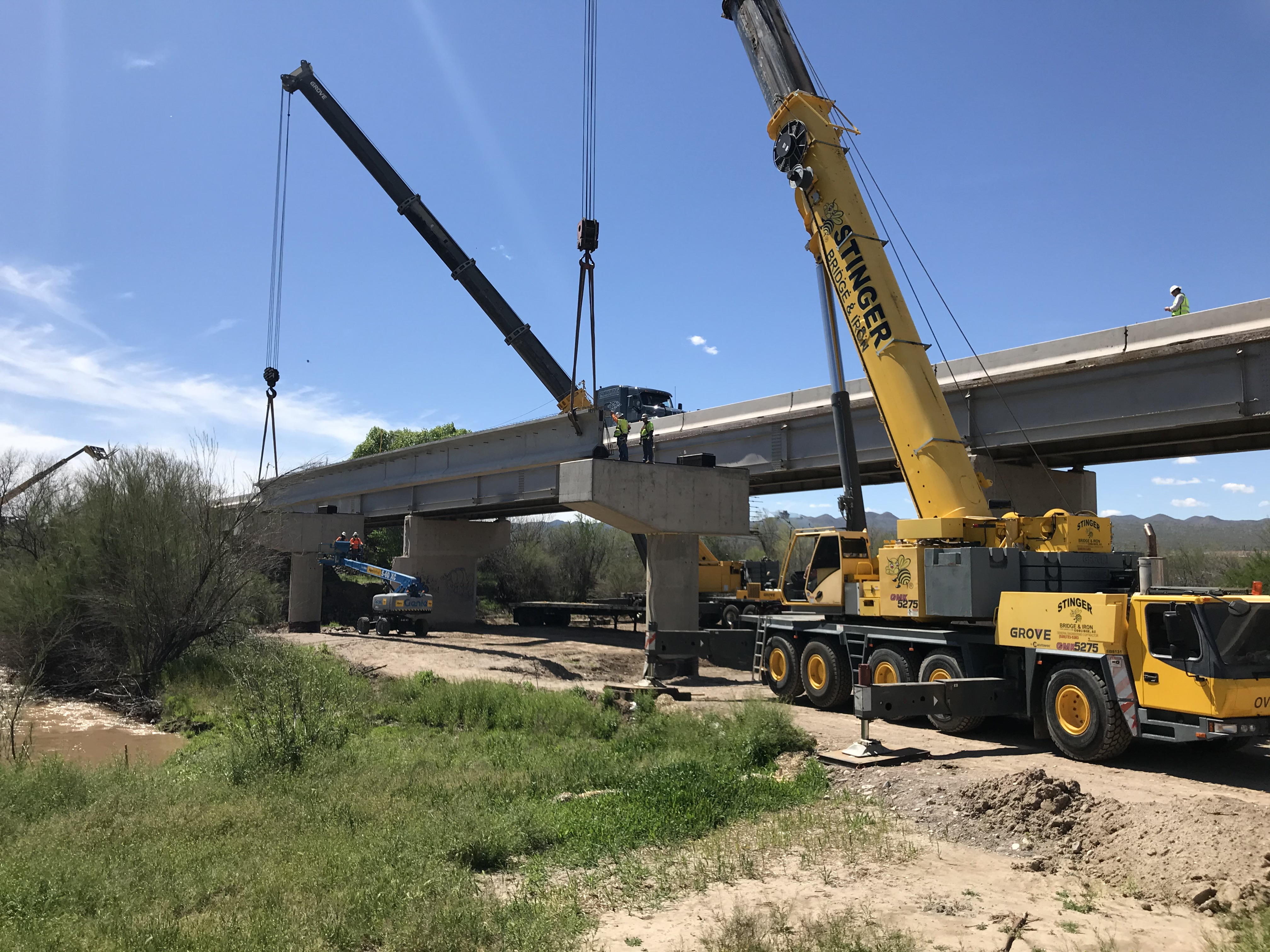 Installing girders at SR 77 Gila River bridge
