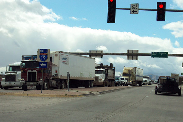 Trucks on I-19 Intersection