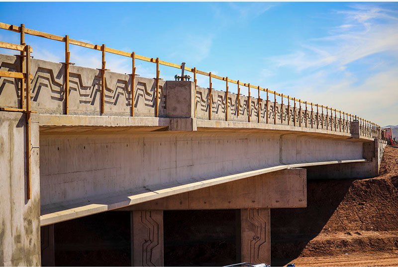 The first South Mountain Freeway Project bridge completion
