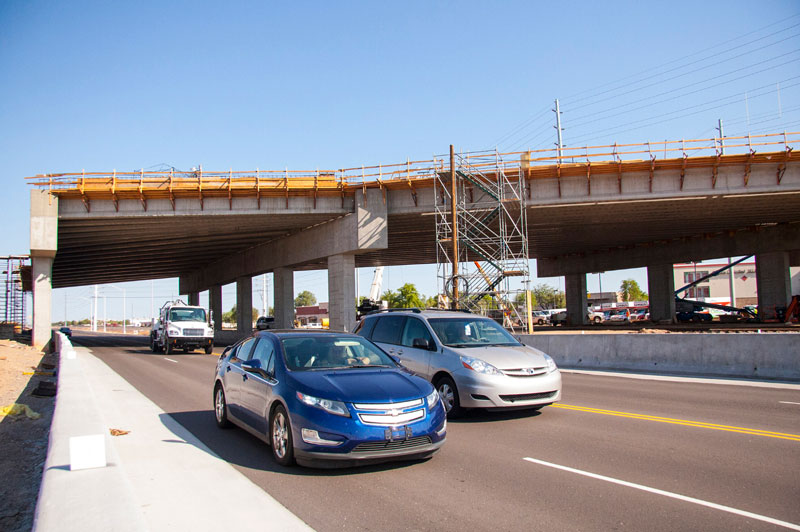 Traffic Sharing Westbound lanes during construction of Bell/Grand Interchange.