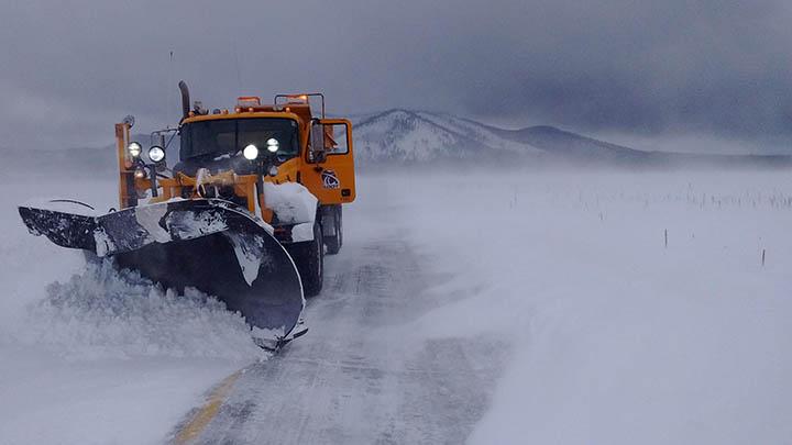 ADOT snowplow plowing US 180 Kendrick Park