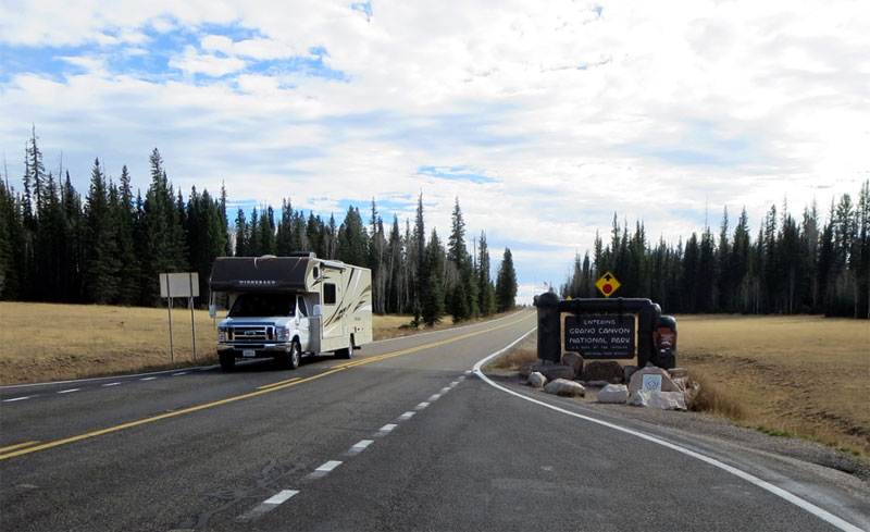 Motorhome leaving Grand Canyon National Park