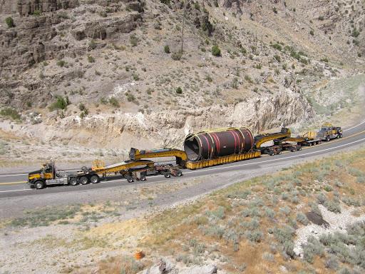 Oversize load moving on Arizona highway