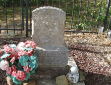 This is the Gravesite of Angeline Hoagland, courtesy American Pioneer & Cemetery Research Project